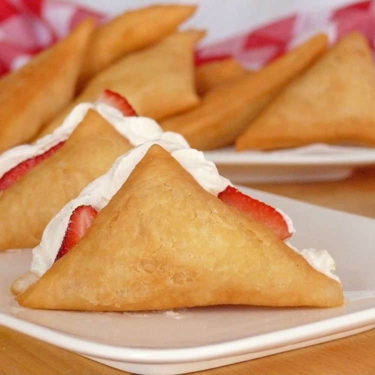 Sopaipillas (or Sopapillas) with Cannoli Cream & Fresh Fruit