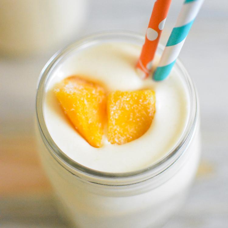 Skinny Mango and Cream Smoothies