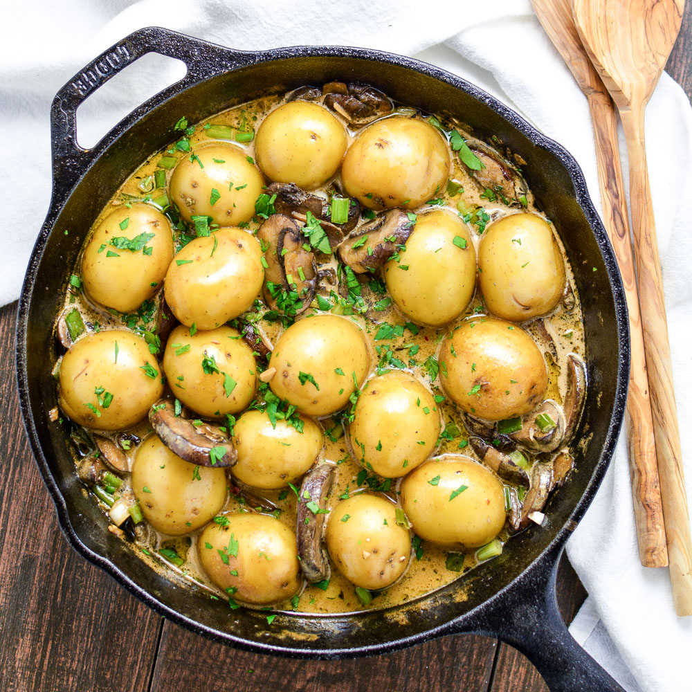 Skillet Potatoes with Creamy Pilsner, Mushroom Sauce